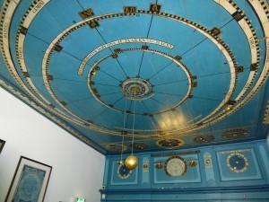 NL2012_02420_Planetarium